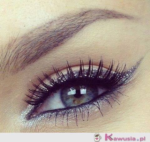 Pięknie pomalowane oko