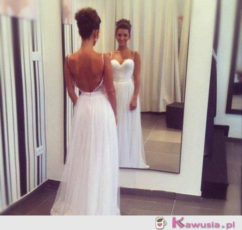 Świetna suknia