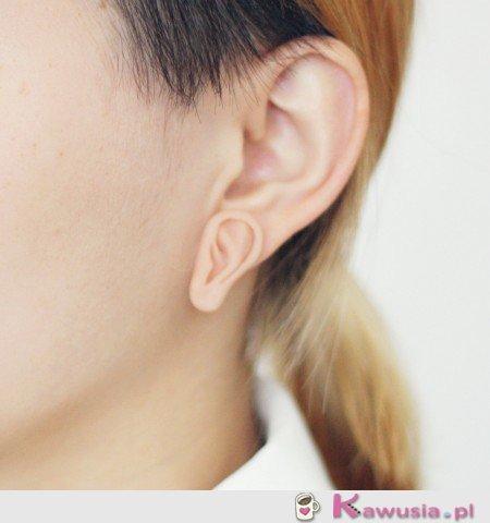 Ucho mutanta dzięki kolczykom