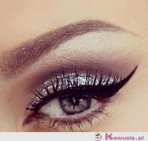 Make up w kolorze srebra