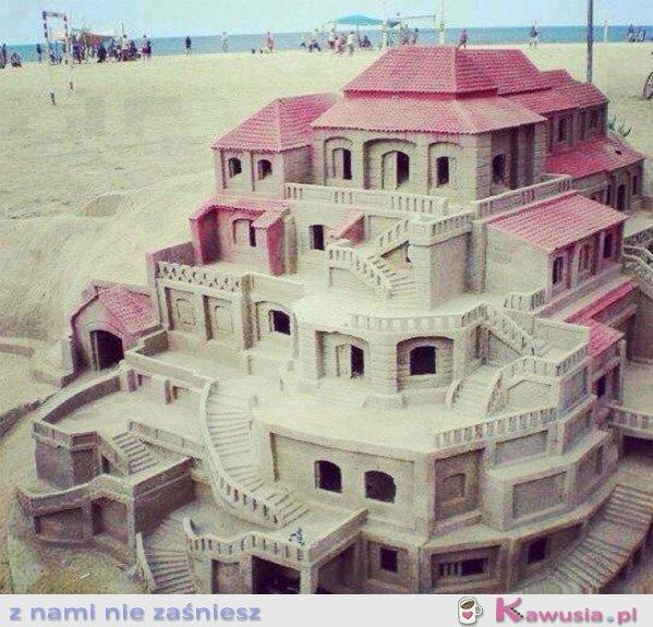 Cudny domek z piasku