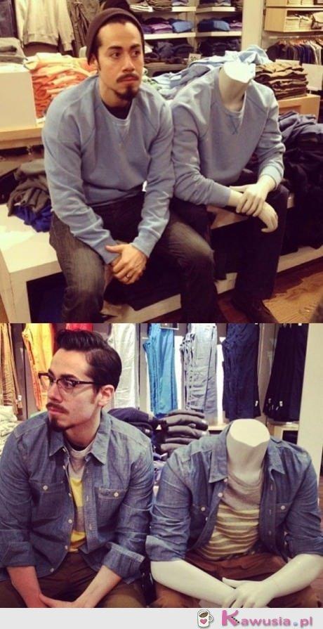Faceci, kiedy czekają na kobietę na zakupach