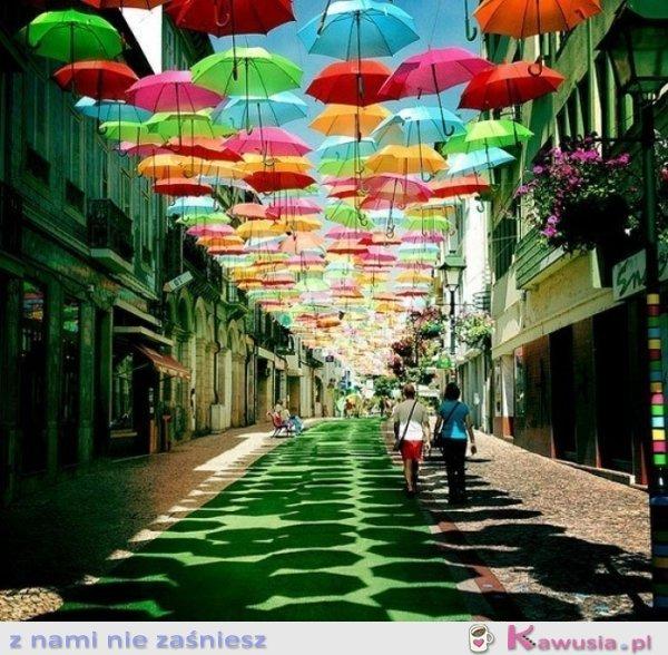 Zawieszone parasolki - Portugalia