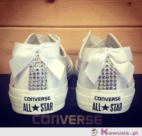 Buty ślubne dla fanek Converse'ów