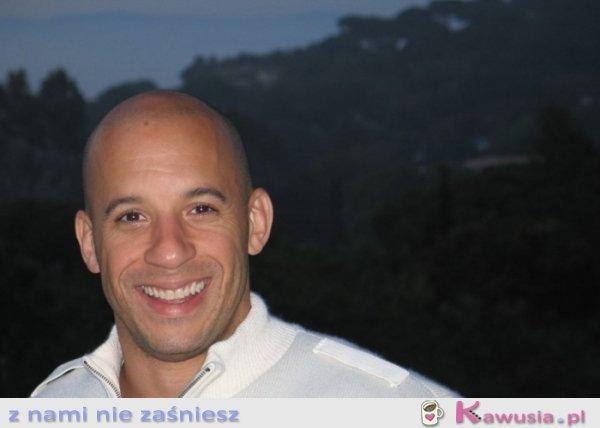 Uśmiechnięty Vin Diesel