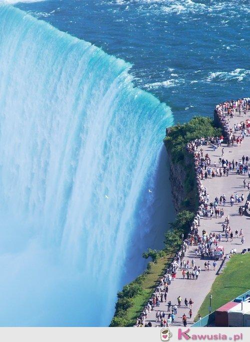 Ogromny wodospad