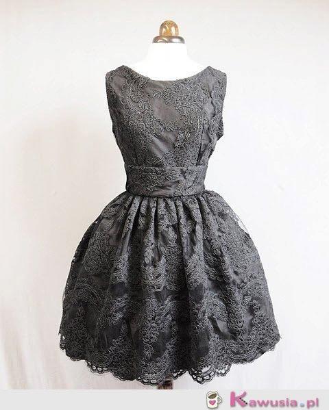 Stylowa sukieneczka